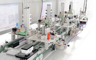 Program production lines with the Industry 4.0 training system